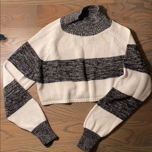 Cropped long sleeved sweater